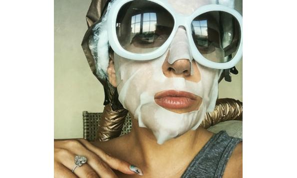 lady-gaga-sheet-mask-beauty-the-klog