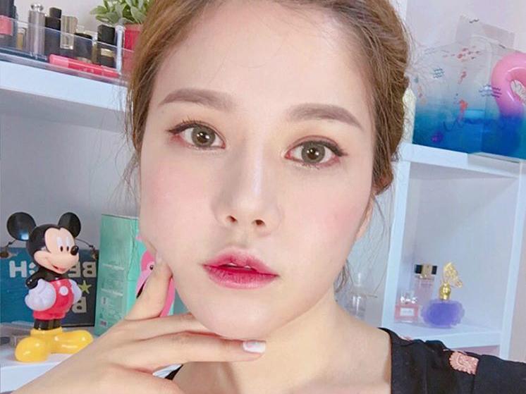 soyoung0201-instagram-kbeauty-makeup-inspiration-the-klog