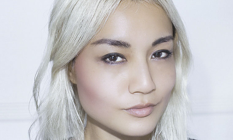 Korean version of American contour makeup