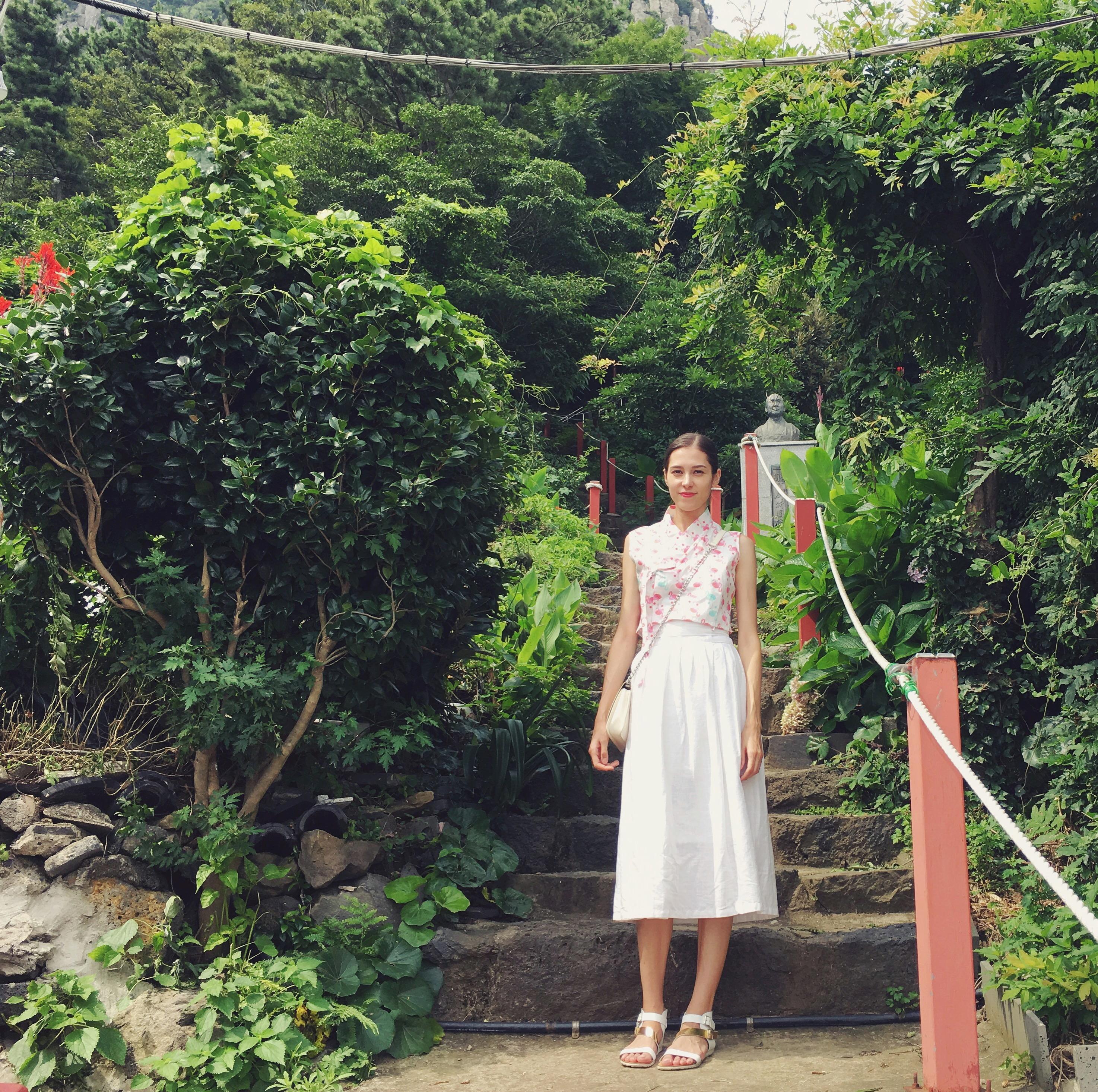 sarah hanbok
